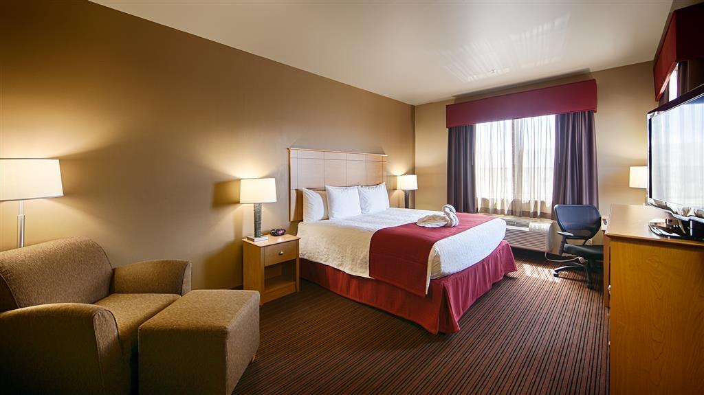Best Western Golden Prairie Inn & Suites - Our standard King room