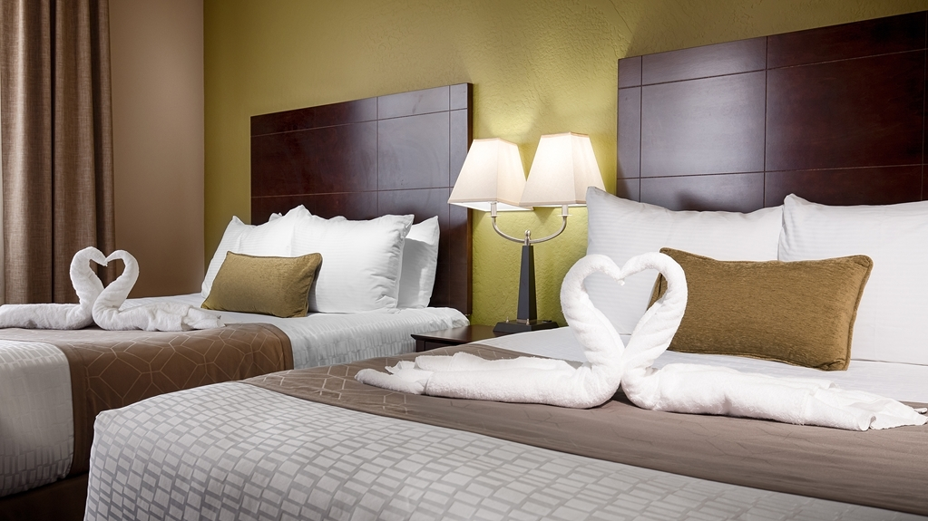 Best Western Plus Havre Inn & Suites - Our standard double queen room has more than enough space for you to feel right at home!