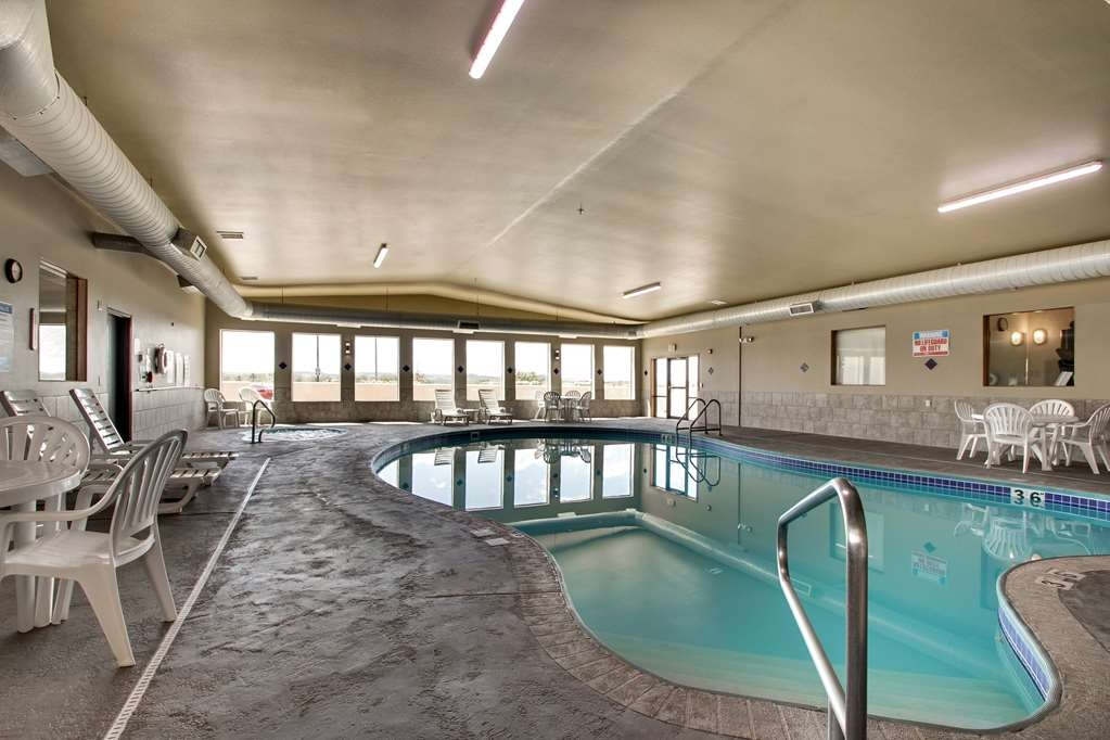 Best Western West Hills Inn - Our indoor pool is the perfect place to rejuvenate after a long day.