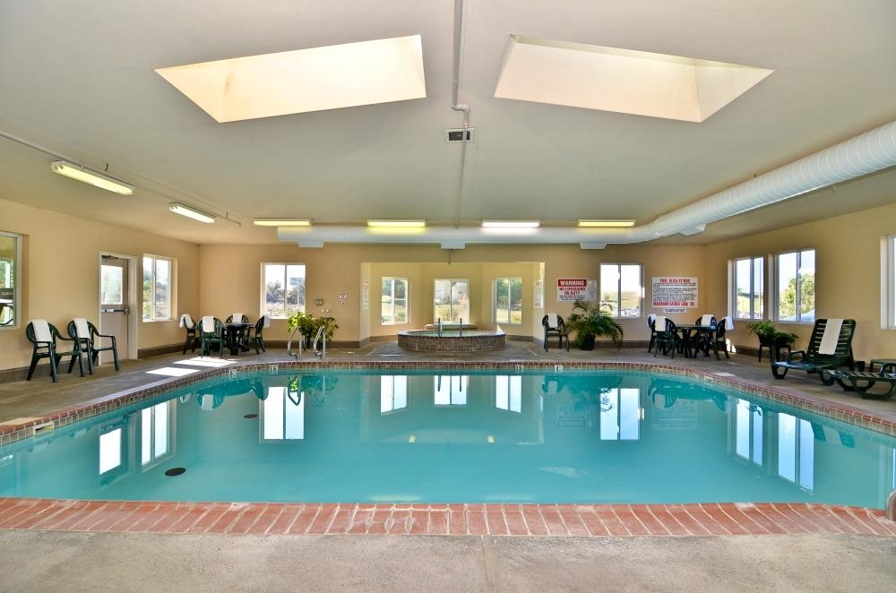 Best Western Nebraska City Inn - Enjoy swimming any time of the year in our indoor heated pool.