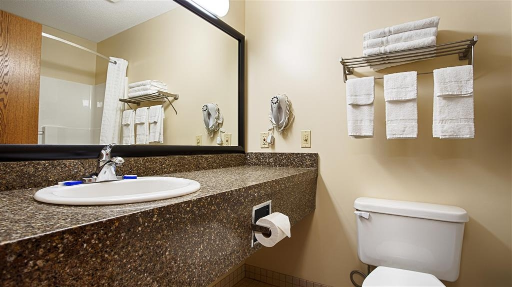 Best Western Nebraska City Inn - Guest Bathroom