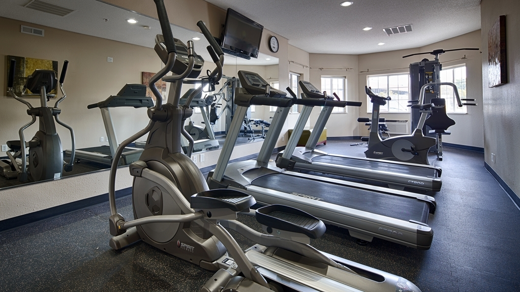 Best Western Old Mill Inn - Maintain your fitness routine during your stay with us in our fitness center.