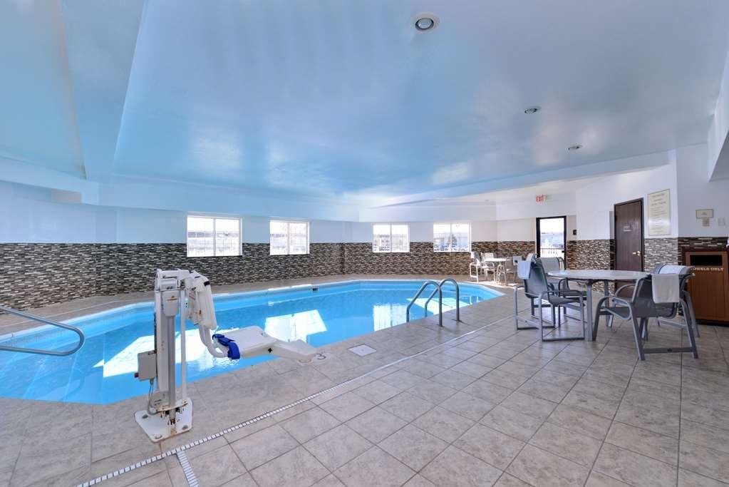 Best Western Old Mill Inn - Vue de la piscine