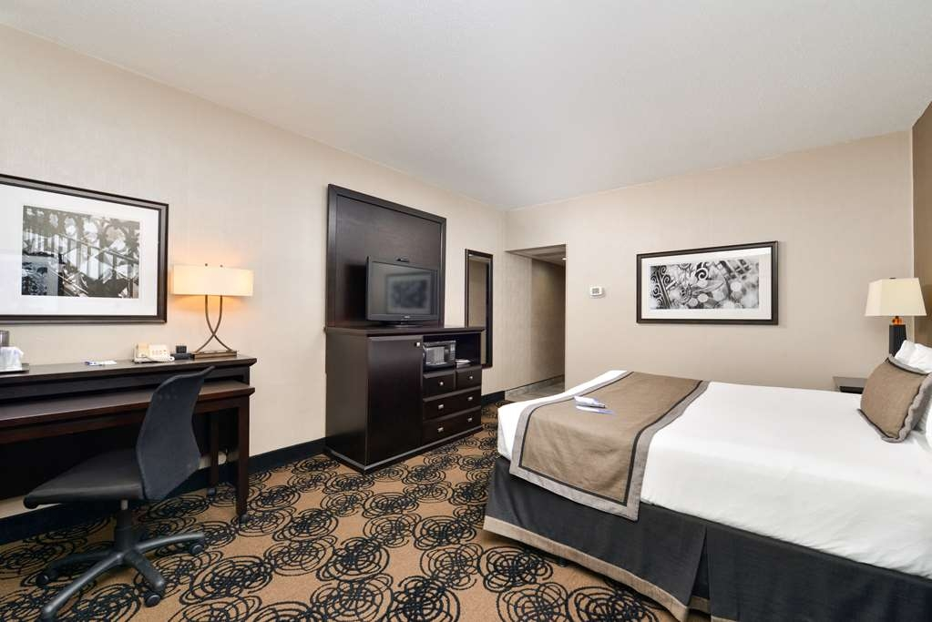 Best Western Plus Kelly Inn - Our guest rooms feature plush beds with pillow top mattresses, and upscale bedding and linens.