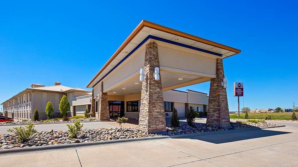 Best Western Plus Mid Nebraska Inn & Suites - Façade