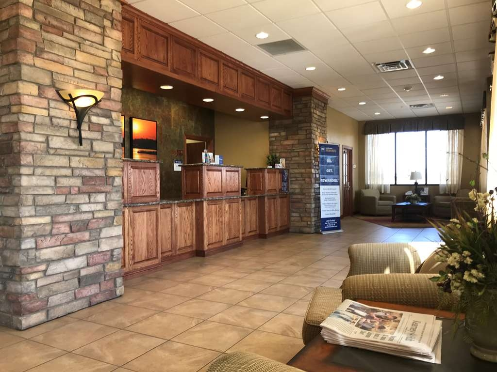 Best Western Plus Mid Nebraska Inn & Suites - Hall