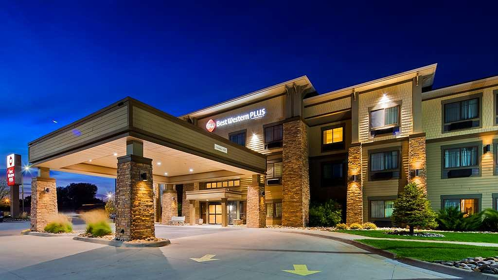 Best Western Plus Grand Island Inn & Suites - Vista exterior