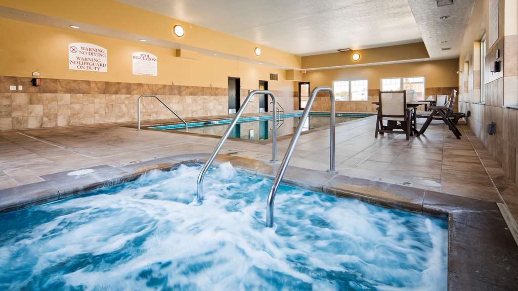 Best Western Plus Grand Island Inn & Suites - Piscina