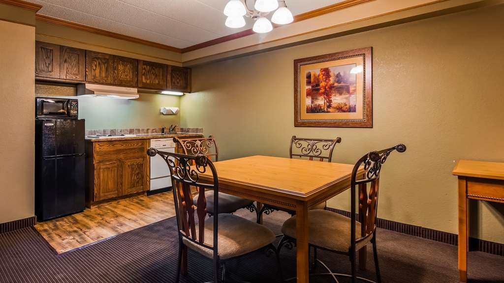 Best Western Plus Sidney Lodge - Our King Suite is great for those with larger groups or staying for an extended period of time. Our kitchenette is great for making meals, and the space is great to kick off your boots and relax.