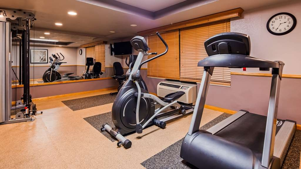 Best Western Plus Sidney Lodge - Sweat the day away in our Fitness Center. Complimentary fitness towels, cable television and Culligan water!