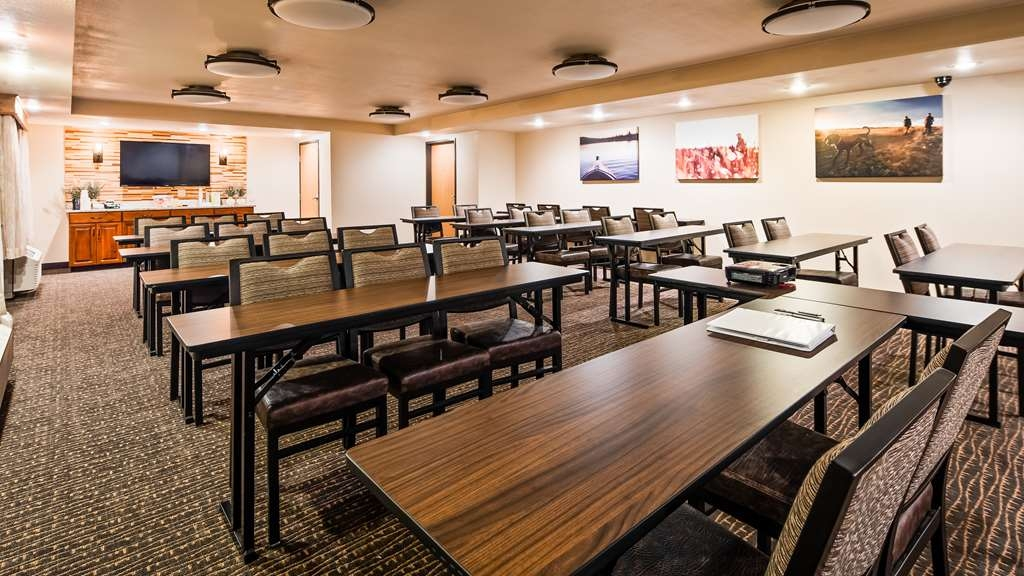Best Western Plus Sidney Lodge - We offer convenient meeting space for presentations and training for small businesses, corporate clientele, local groups and organizations.