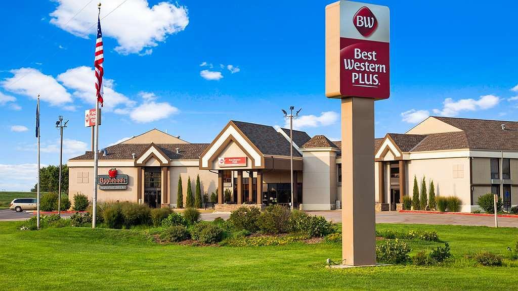 Best Western Plus York Hotel & Conference Center - Aussenansicht