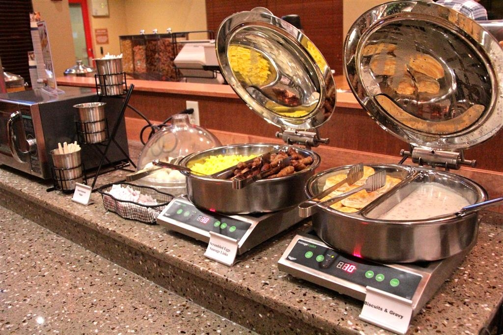Best Western Plus York Hotel & Conference Center - Even if you're in a rush, don't miss the most important meal of the day.