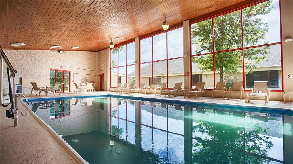 Best Western Plus York Hotel & Conference Center - piscina coperta