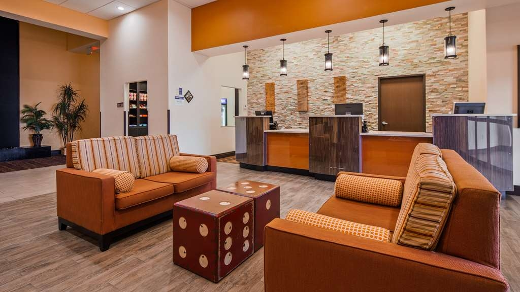 Best Western Plus North Platte Inn & Suites - Be greeted with a smile as soon as you arrive.