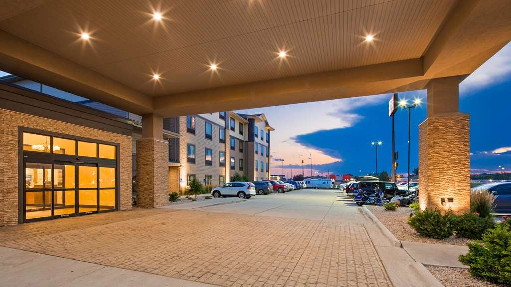 Best Western Plus North Platte Inn & Suites - We know you'll enjoy your stay with us.