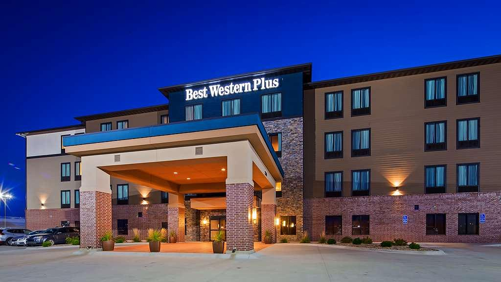 Best Western Plus Lincoln Inn & Suites - Vista Exterior