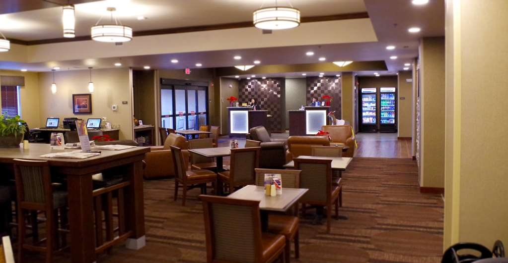 Best Western Plus Lincoln Inn & Suites - empfang