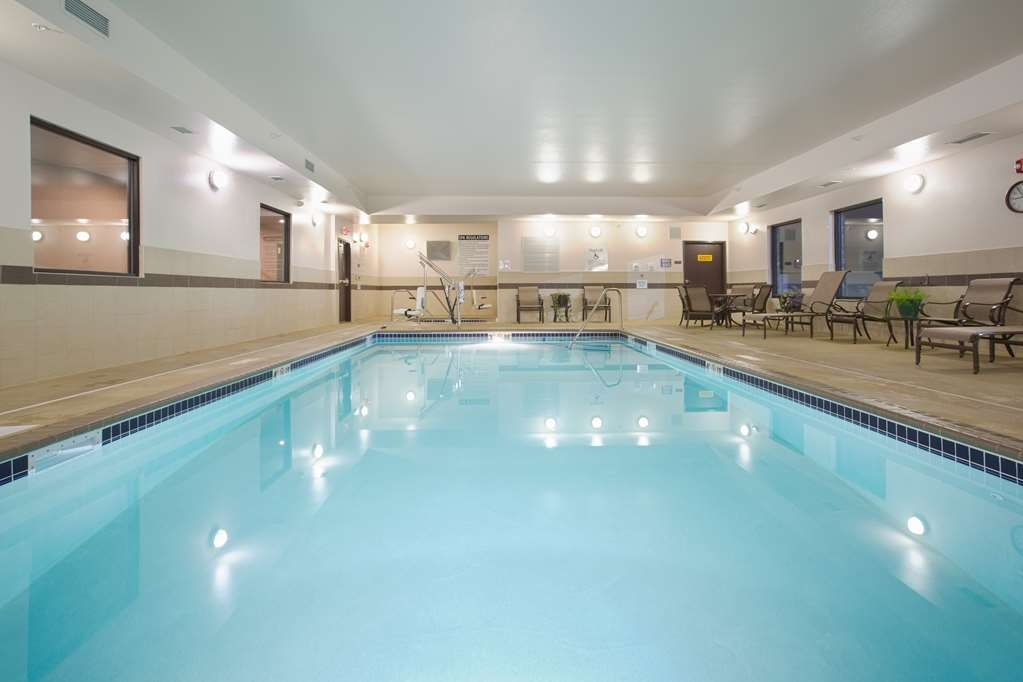 Best Western Plus Lincoln Inn & Suites - Poolansicht