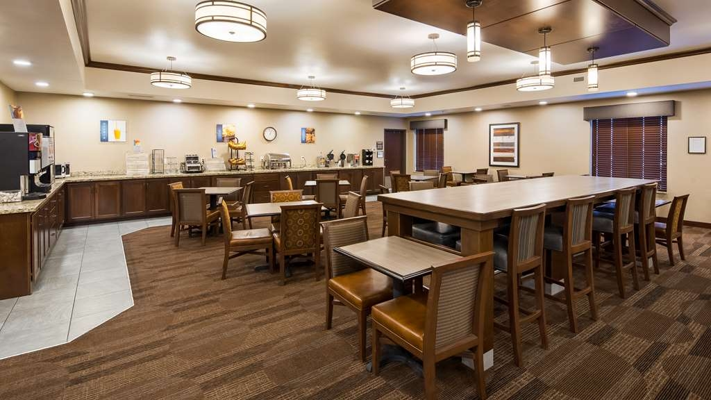 Best Western Plus Lincoln Inn & Suites - Restaurant / Gastronomie
