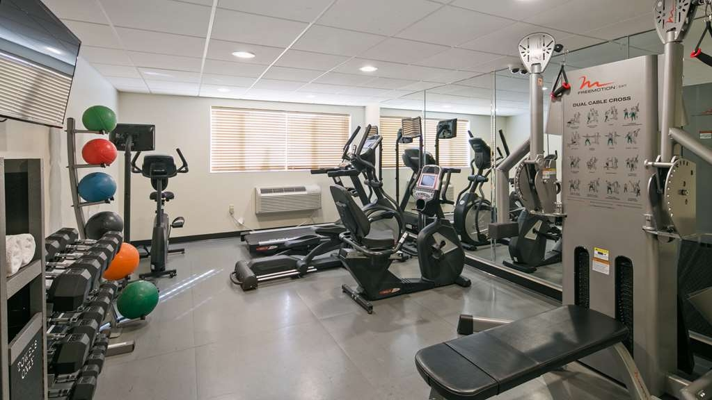 Best Western Hi-Desert Inn - Fit a workout into your busy day during your stay with the convenience of our 24-hour fitness center.