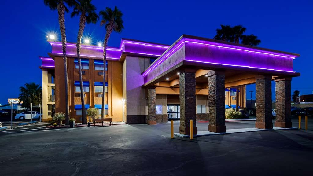 Best Western McCarran Inn - Facciata dell'albergo