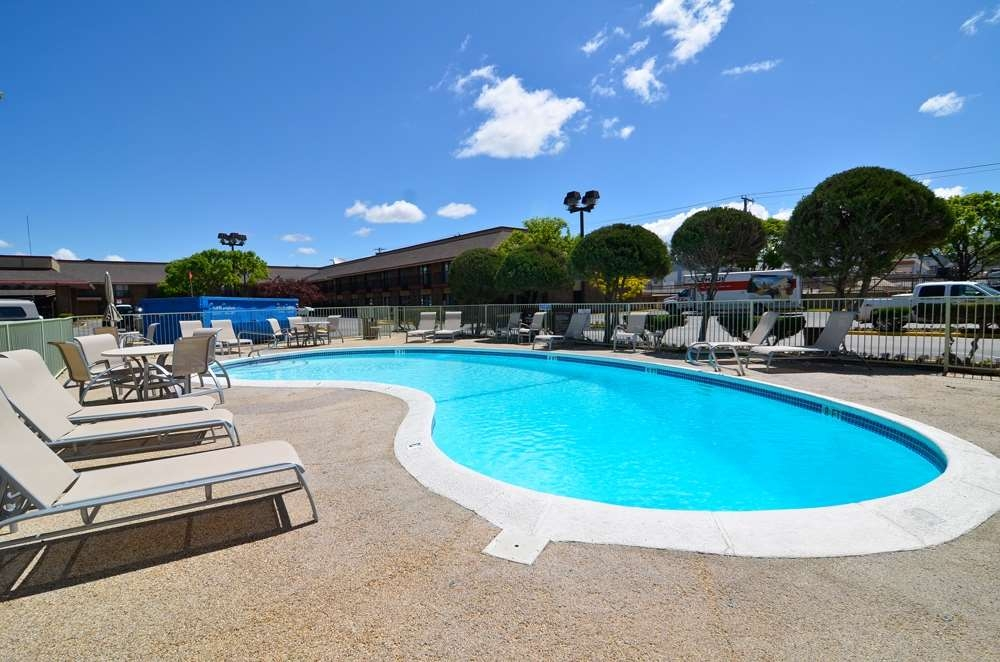 Best Western Plus Gold Country Inn - Piscina