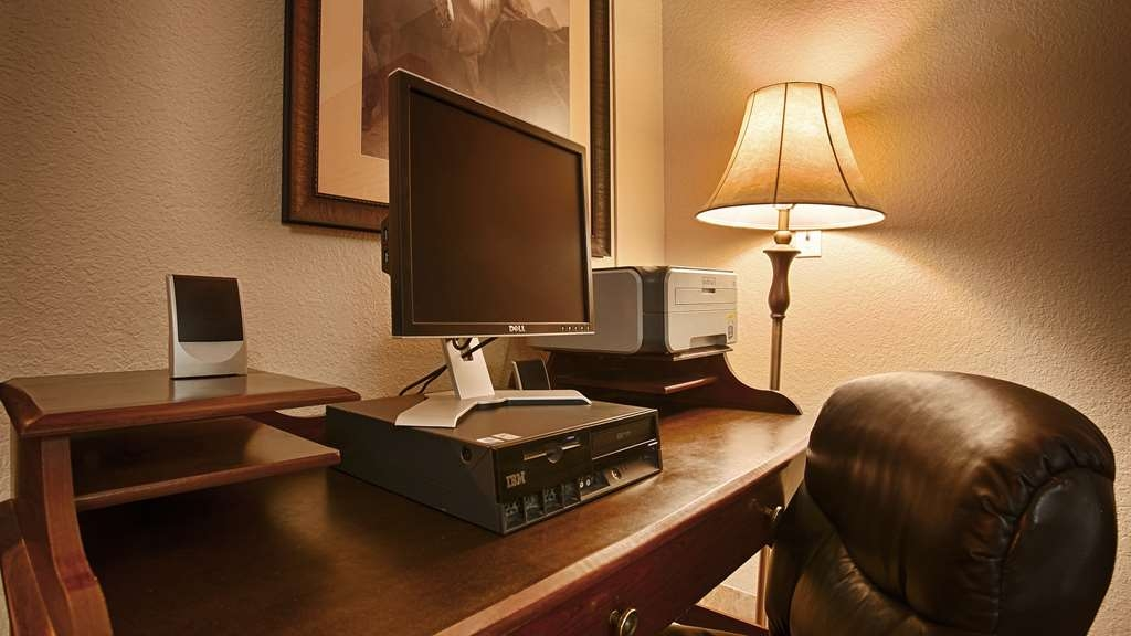 Best Western Fernley Inn - Our business center offers free Wi-Fi and 24 hour service for your printing and faxing needs.