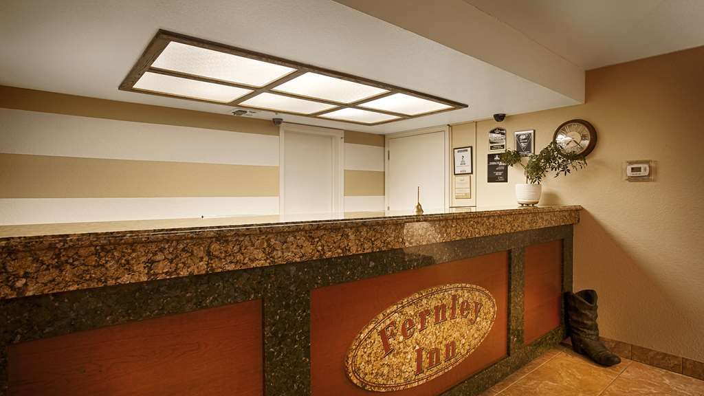 Best Western Fernley Inn - Our front desk staff is ready to serve you 24/7.