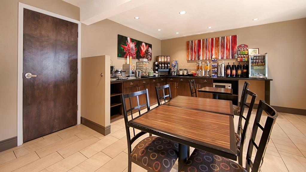Best Western Fallon Inn & Suites - Breakfast Area