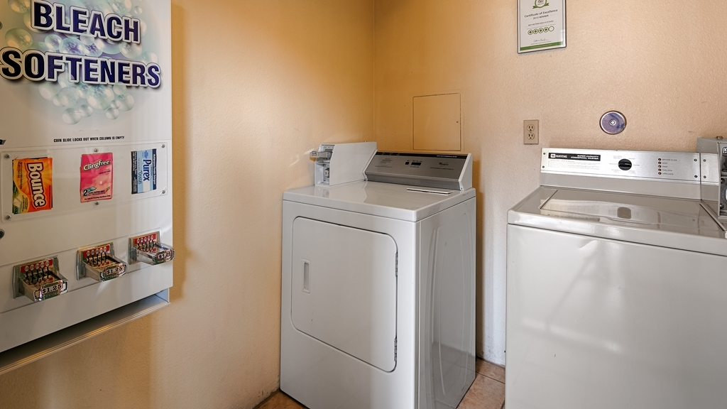 Best Western Fallon Inn & Suites - New Coin-operated laundry equipment - facilities available 24 hours a day.