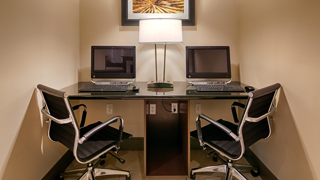 Best Western Fallon Inn & Suites - Business Center – Open 24-hours, with 2 touch screen computers with webcam.