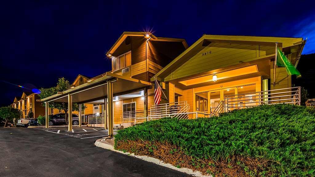 Best Western Topaz Lake Inn - Aussenansicht