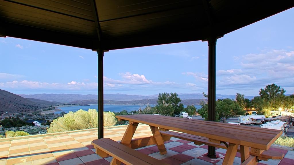 Best Western Topaz Lake Inn - Patio