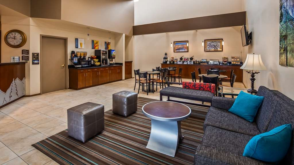 Best Western Topaz Lake Inn - Lobby view