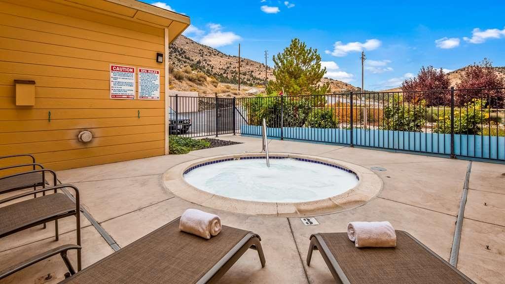 Best Western Topaz Lake Inn - Pool view