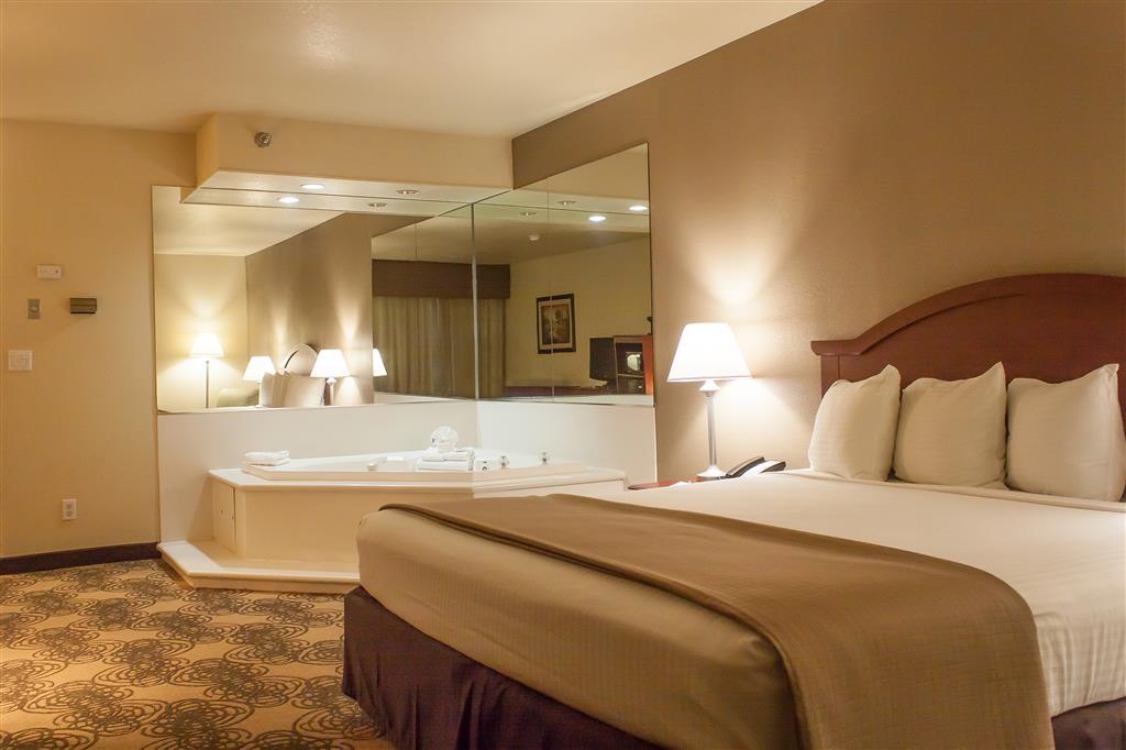 Best Western Elko Inn - Camera con letto king size e idromassaggio