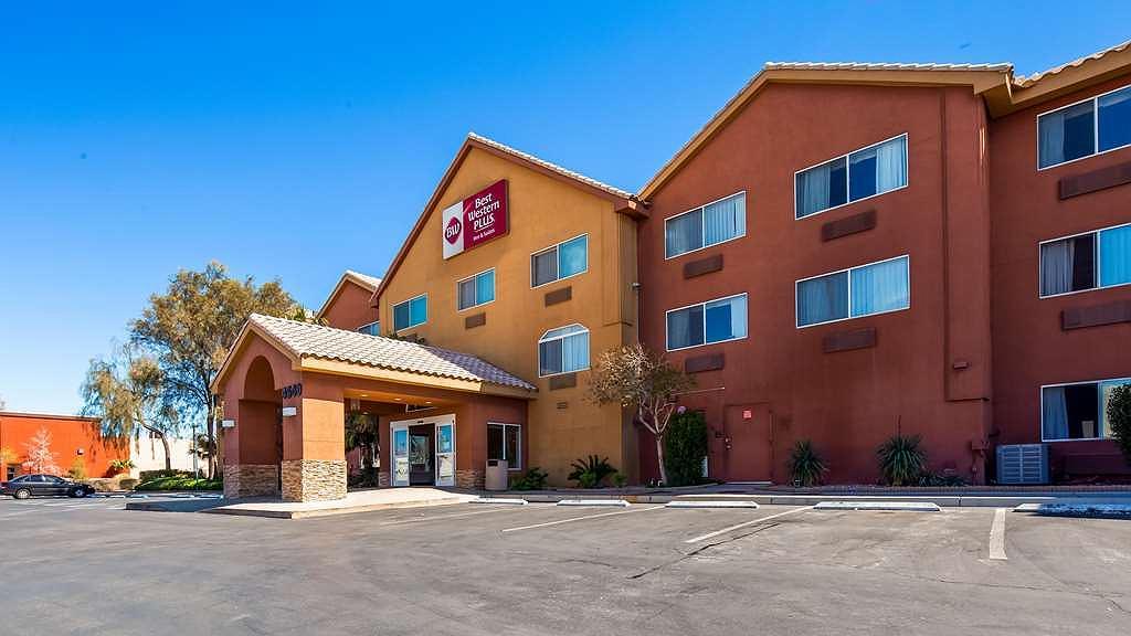 Best Western Plus North Las Vegas Inn & Suites - Area esterna