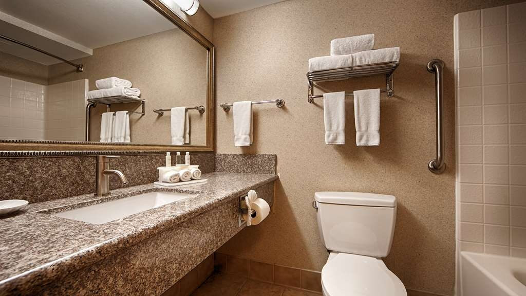 Best Western Plus North Las Vegas Inn & Suites - Badezimmer