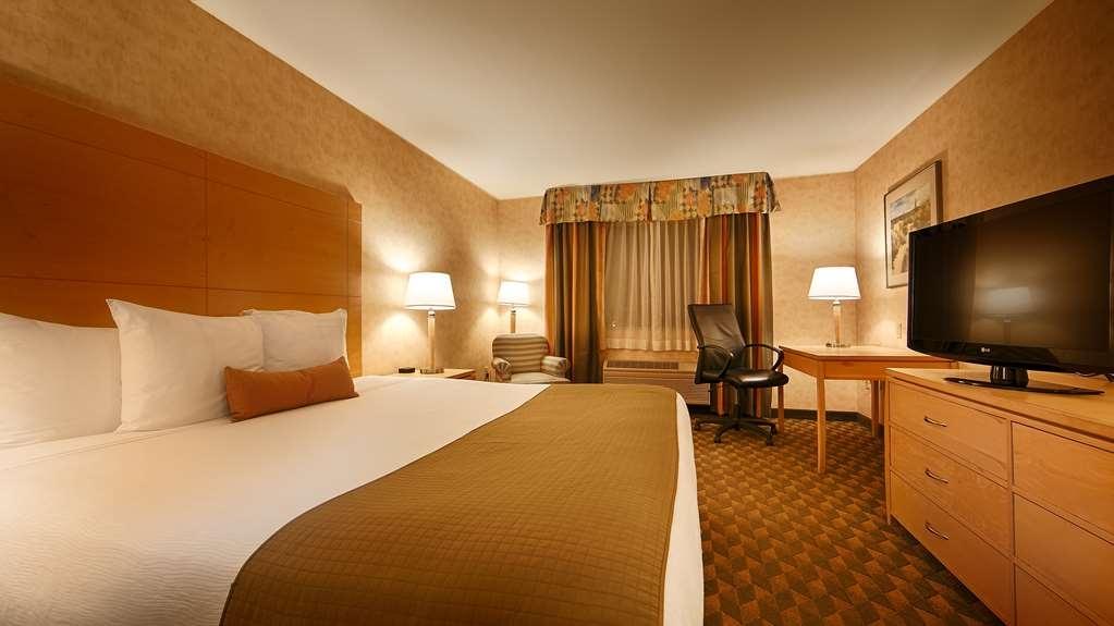 Best Western Plus North Las Vegas Inn & Suites - Guest Room