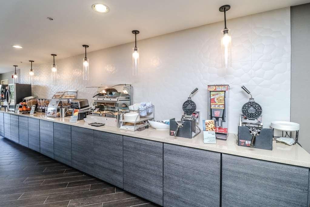 Best Western Plus North Las Vegas Inn & Suites - Desayuno Buffet