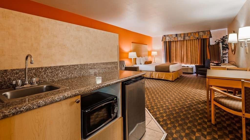 Best Western Plus North Las Vegas Inn & Suites - Guest Suite