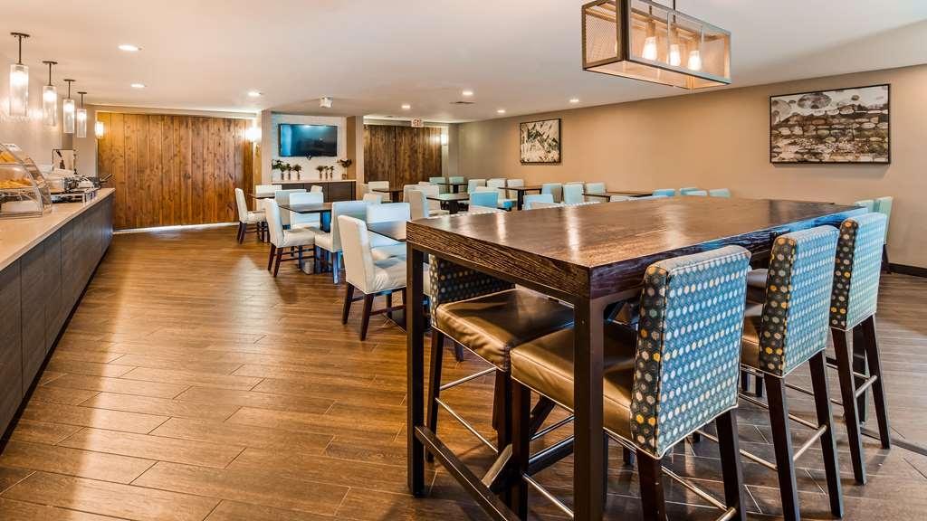 Best Western Plus North Las Vegas Inn & Suites - Breakfast Area