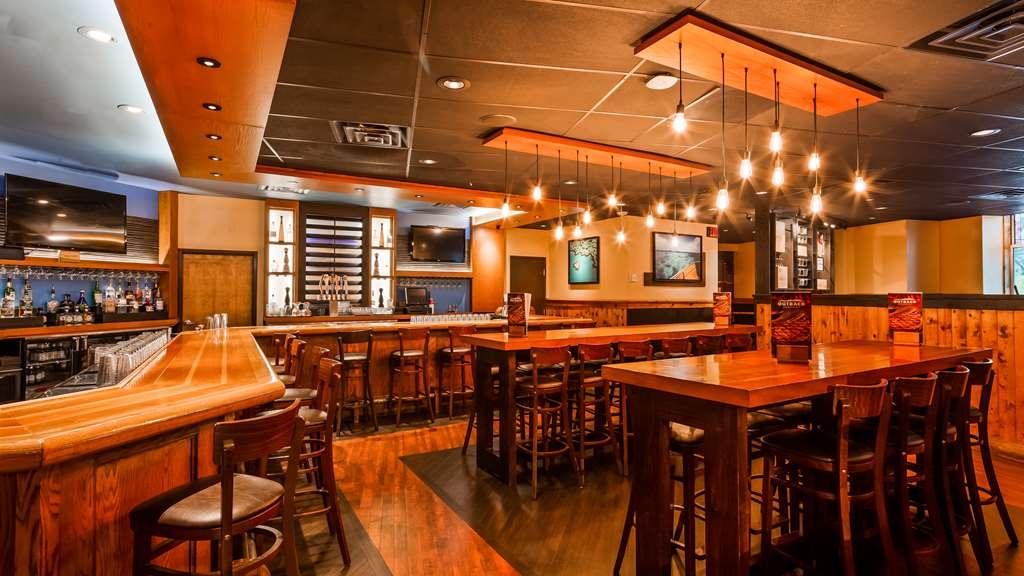 Best Western Plus Casino Royale - Bar/Salón