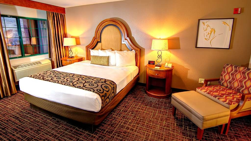 Best Western Plus Boomtown Casino Hotel - Grand Suite with Two King beds and Two separate bathroom bathrooms