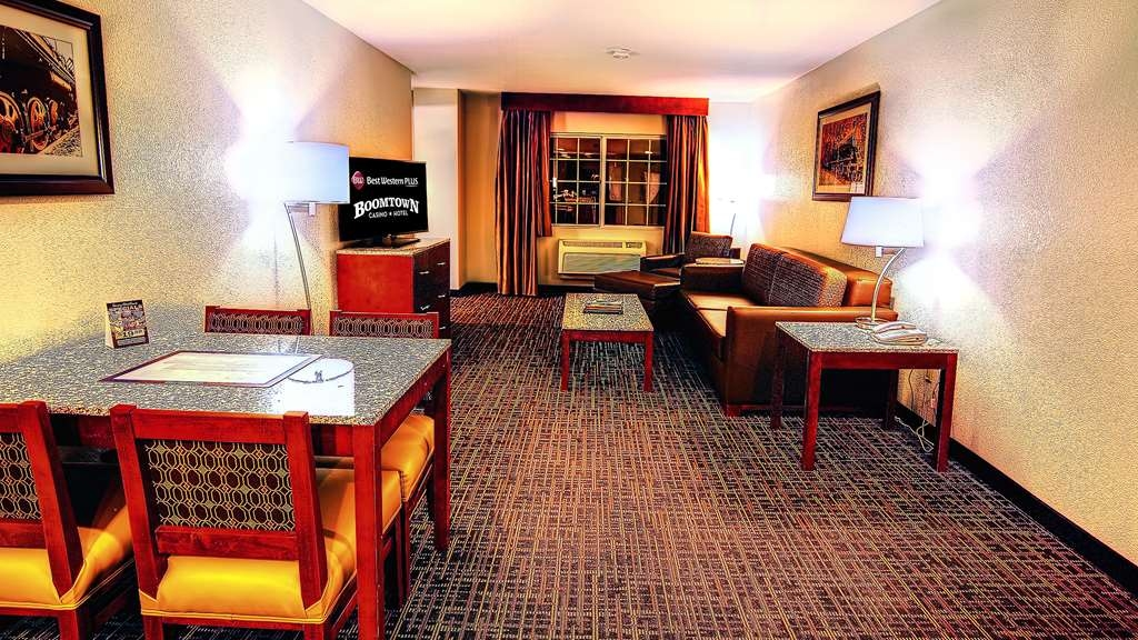 Best Western Plus Boomtown Casino Hotel - King Suite with a Living room area and Bedroom