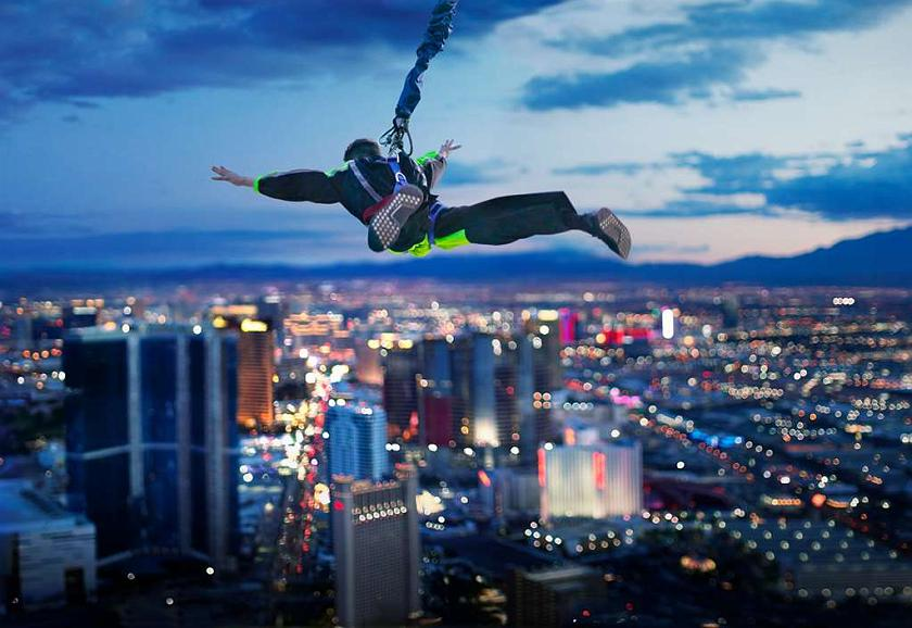 Hotel In Las Vegas The Strat Hotel Casino Skypod Bw Premier Collection