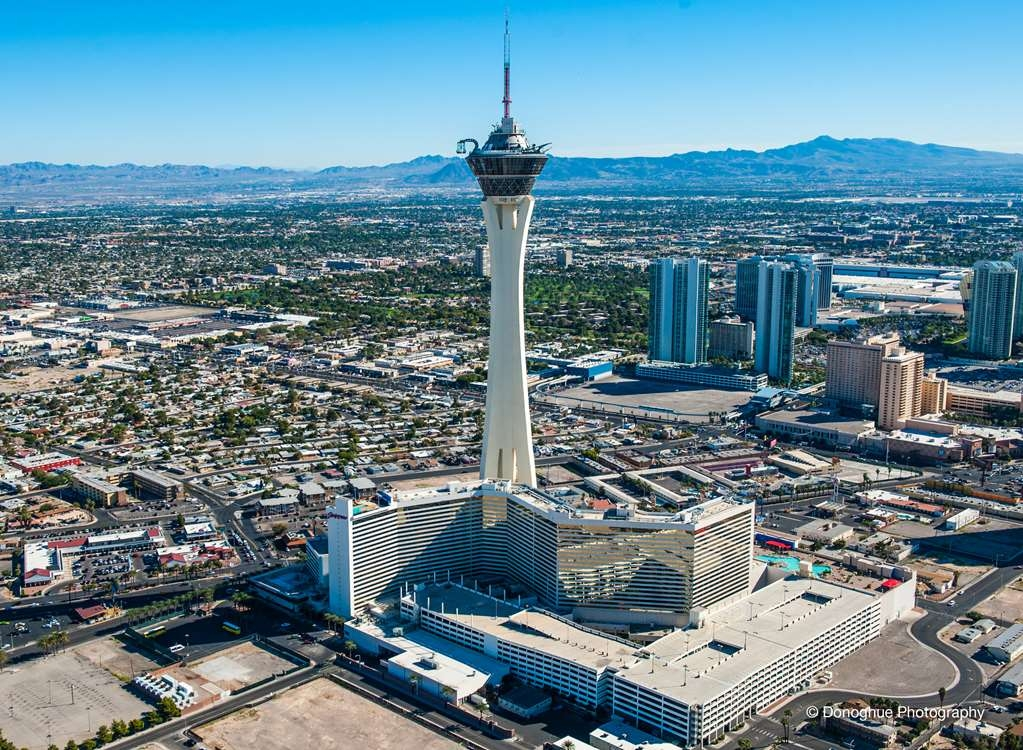 Stratosphere Hotel, Casino & Tower, BW Premier Collection - Facciata dell'albergo