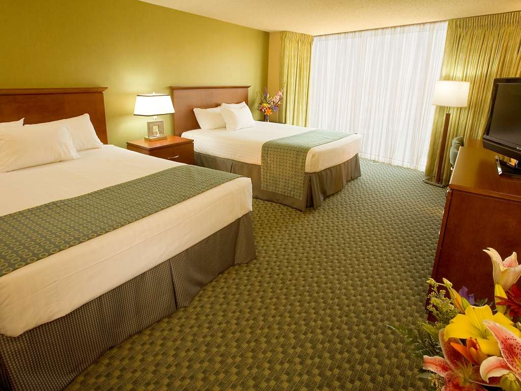Aquarius Casino Resort, BW Premier Collection - Mobility Accessible Double Queen Room