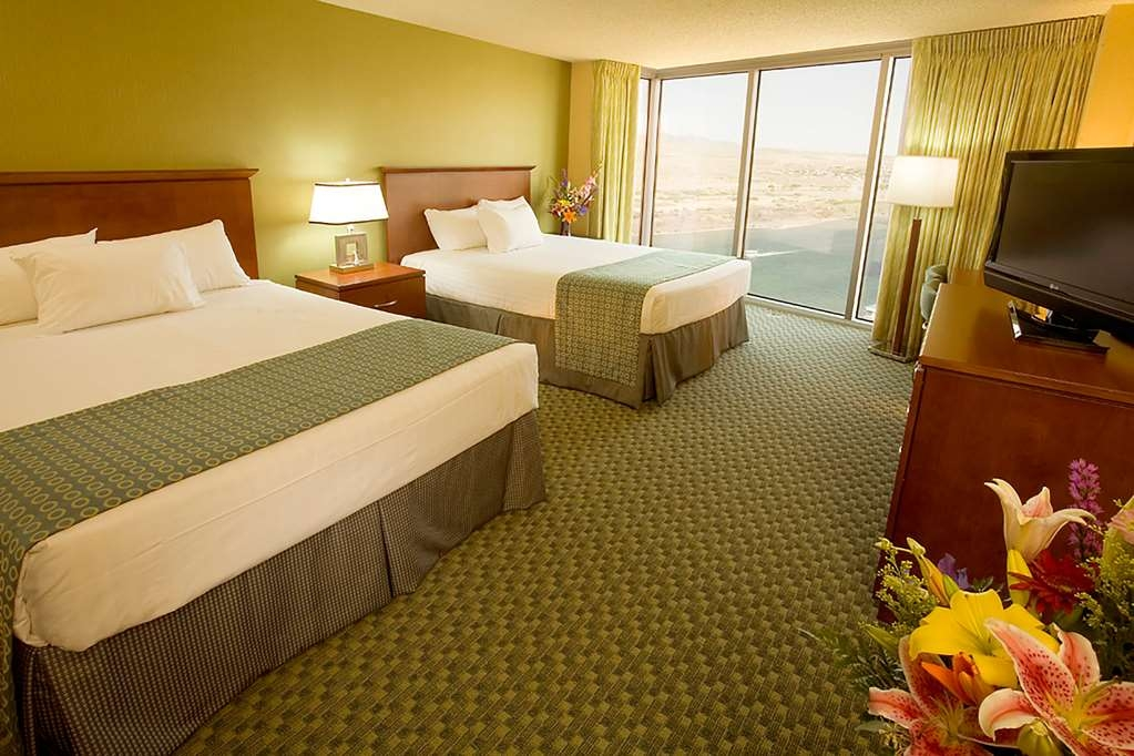 Aquarius Casino Resort, BW Premier Collection - River View Double Queen Guest Room